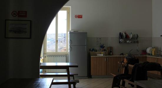 Ostello di Perugia: Cocina, Comedor
