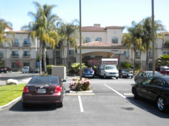 Fairfield Inn & Suites Temecula : Hotel from parking lot