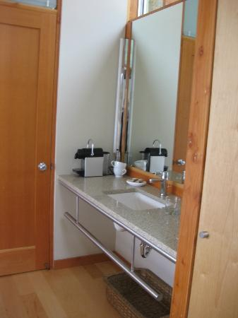 The Awtrey House: bathroom
