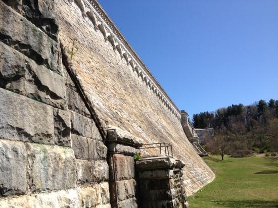 New Croton Dam: dam