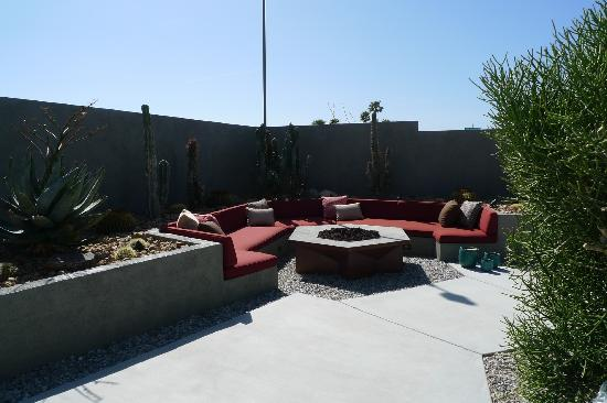 Hotel Lautner: Another photo of the fire pit