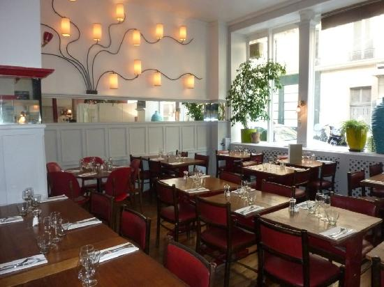 Habemus Bar Restaurant: HABEMUS Bar-Restaurant