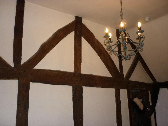 George Inn: Lovely beamed walls