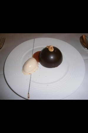 The Savoy Grill : delicious chocolate bomb wow