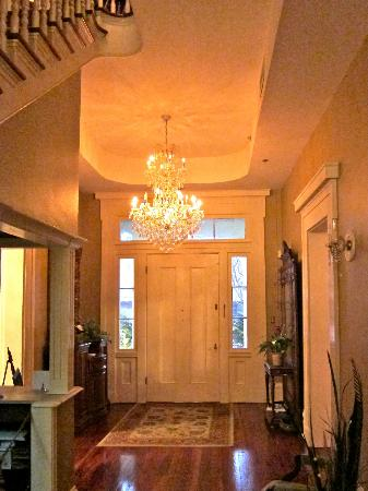 The Dansereau House: Entryway