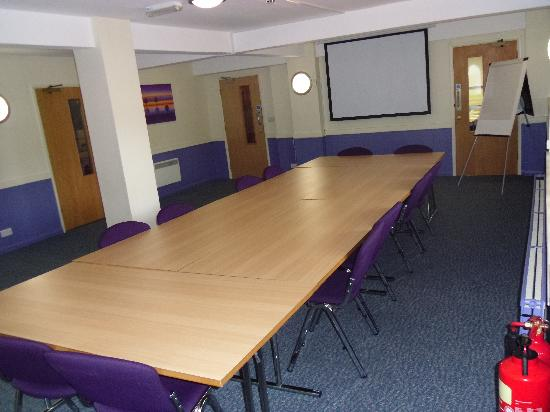 Premier Inn Milton Keynes Central Hotel: OUR LARGE MEETING ROOM