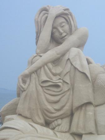 Flagship Motel: Sand Sculpture