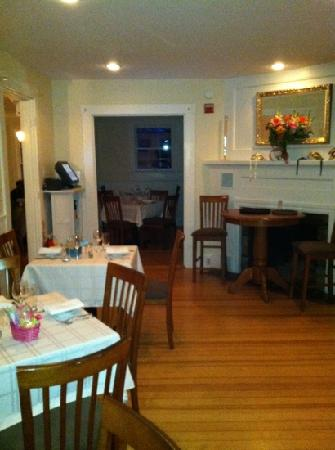 Katie's on Shore Road : intimate dining areas