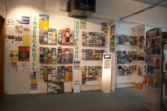 Invercargill i-SITE Visitor Information Centre : Pamphlets on all your tourism options