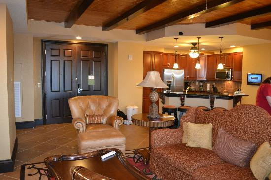 Living Room And Kitchen Picture Of Wyndham Bonnet Creek Resort