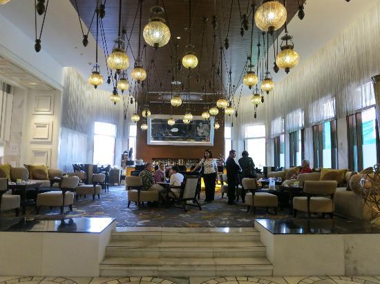 ITC Mughal, Agra: bar