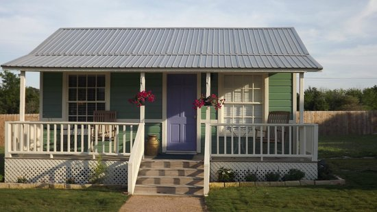 Yellow House Bed and Breakfast: Green Cottage