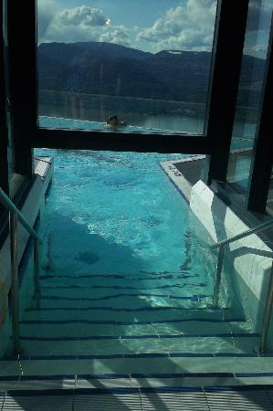 Sparkling Hill Resort: entering into infinity outside pool