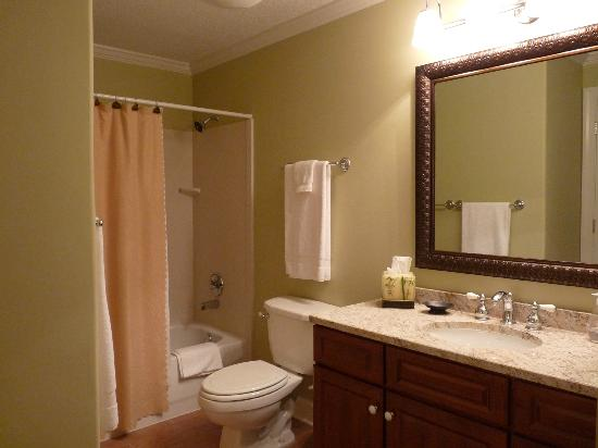 Emerald Isle Resort and Condominiums: 2nd Bath Emerald Isle