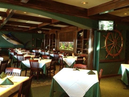 Hemingways Bar and Grill: Hemingway's Dining Room
