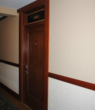 Hotel Elliott: Architectural details