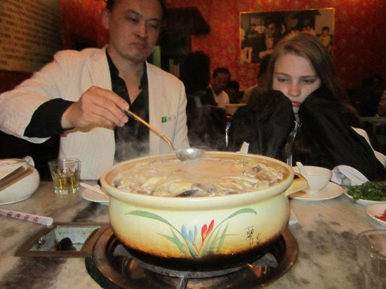 Holiday Inn Central Plaza: Hotpot soup!