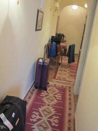 Serdivan Apart Hotel: passage