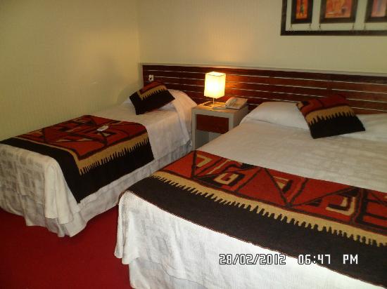 Gran Hotel Tourbillon: otra parte de la habitacion
