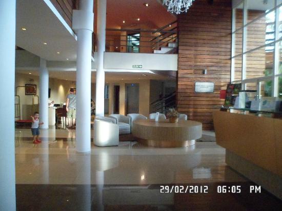 Gran Hotel Tourbillon: hall del hotel