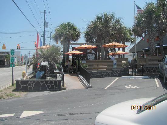 Big Daddy's Restaurant : driveway