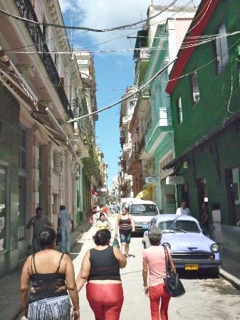 Casa Maura Habana Vieja: les rues de HAVANA VIEJA