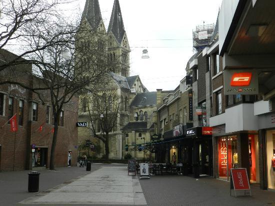 Leveroij, The Netherlands: Katedraal Roermond