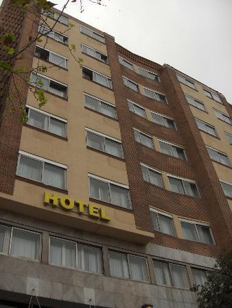 Catalonia Atenas Hotel: modest hotel in a beautiful city