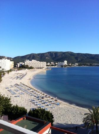 Hotel Seramar Comodoro Playa: view from room 504