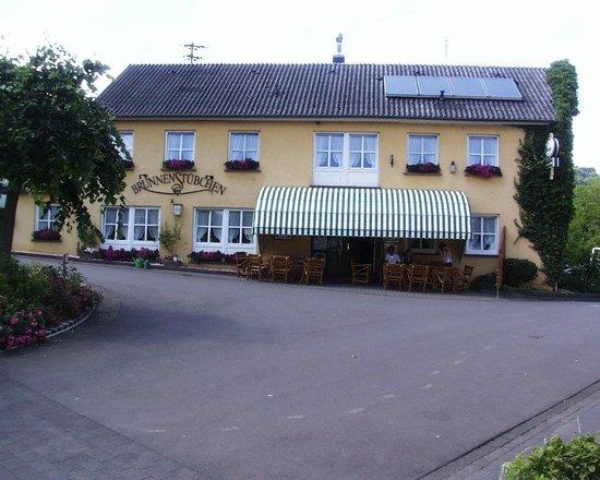 Meerfeld, Allemagne : Das Brunnenstübchen aus anderer Sicht