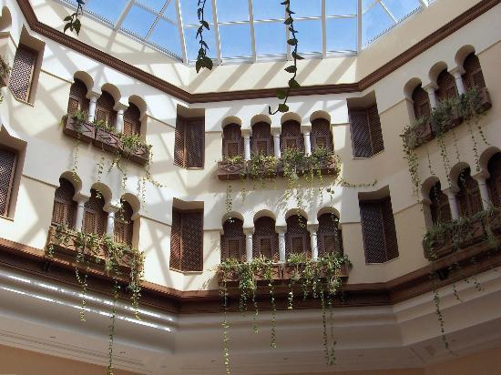 El Mouradi Gammarth : Normal hotel with dirty rooms