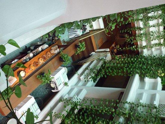 Check Inn Regency Park: Essbereich von oben