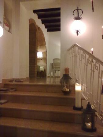 Correggio, Italië: L'ingresso alla saletta superiore