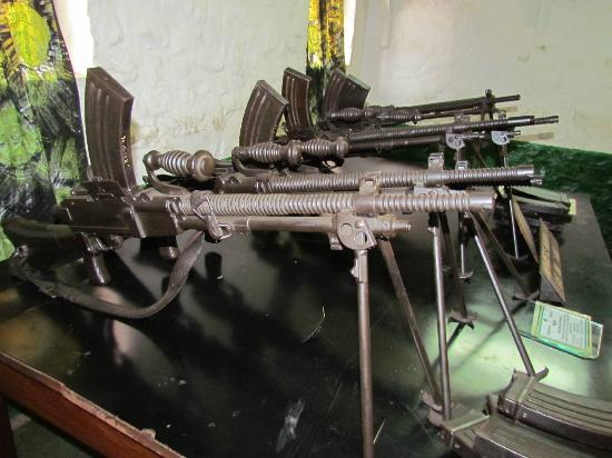 Kumasi Fort - Ghana Armed Forces Museum: Kumasi Fort - Japanese Model 99 Light Machine Guns Captured From The WW2 Burma Campaign