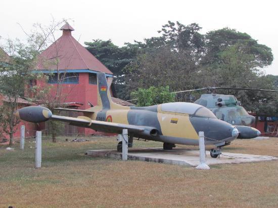 Kumasi Fort - Ghana Armed Forces Museum : Kumasi Fort - Ghana Air Force Jet & Chopper