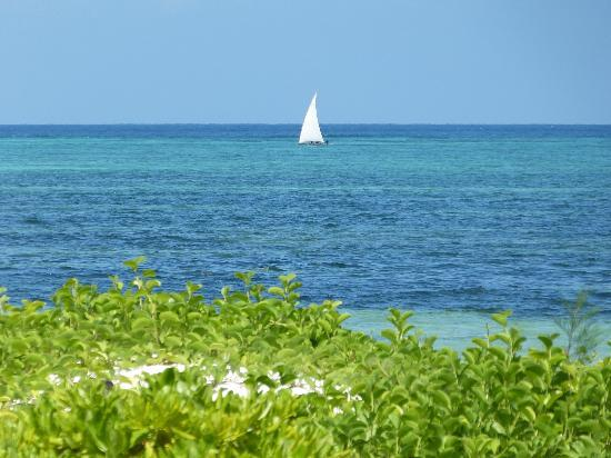 Mchanga Beach Resort: view from the swimming pole