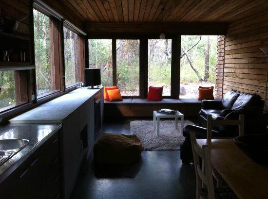 DULC Cabins: Living area - Treehouse