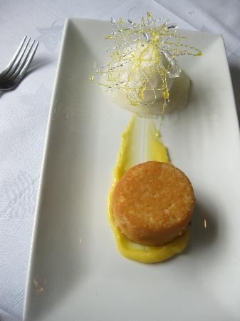 The Restaurant - Seaview Hotel: lemon sponge, lemon sorbet and sugar art