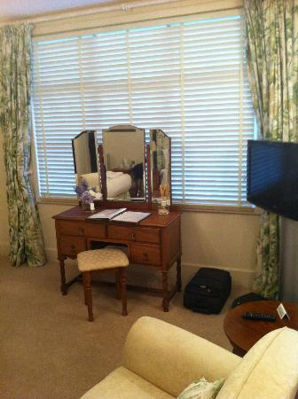 Caravelli with Rooms: Our first room