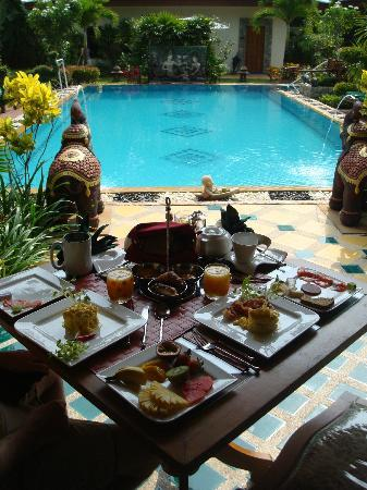 Baan Malinee Bed and Breakfast: Le petit déjeuner
