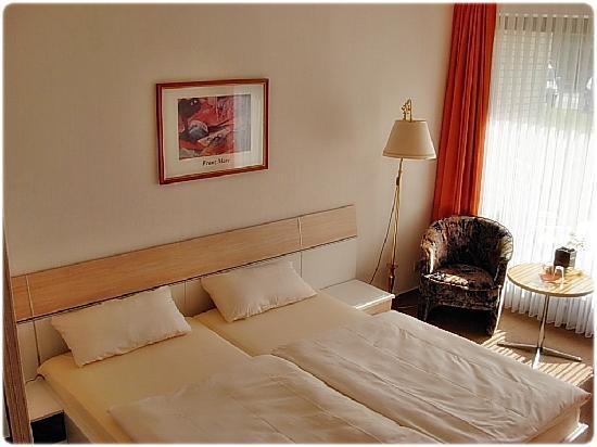 Hotel Schild: unsere Zimmer