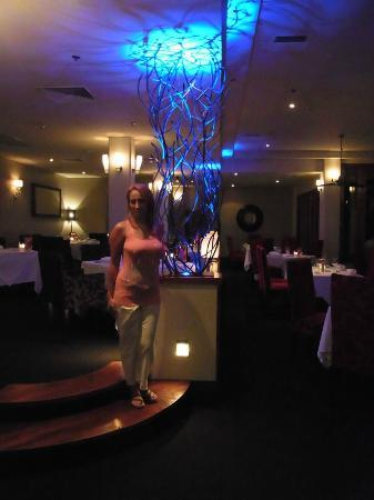 V Restaurant at Sofitel Fiji Resort : V Restaurant main dining area