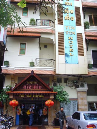 Tin Tin Hotel