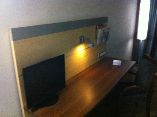 Holiday Inn Express Sandton-Woodmead: Work desk