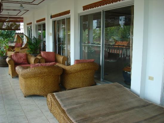 Constanza Boutique Resort: The huge Verandah