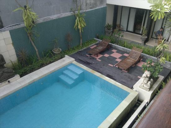 The Kubu Hotel: view of pool from my room