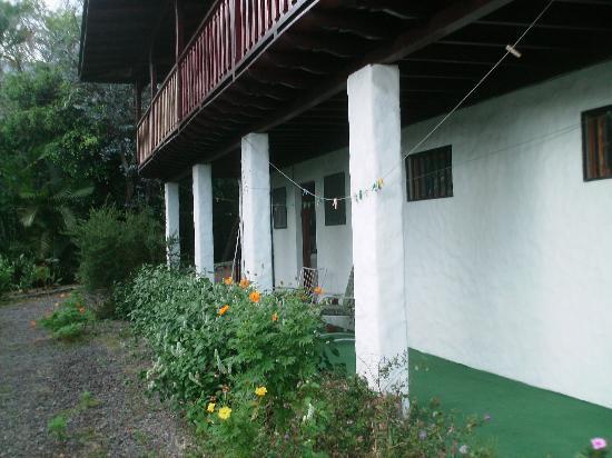 Villa Escazu: studio porch