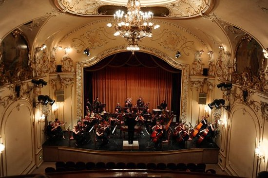 Danube Palace: Symphony concert in the theatre