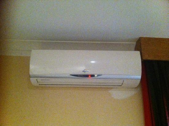 Pasha Hotel: broken heater
