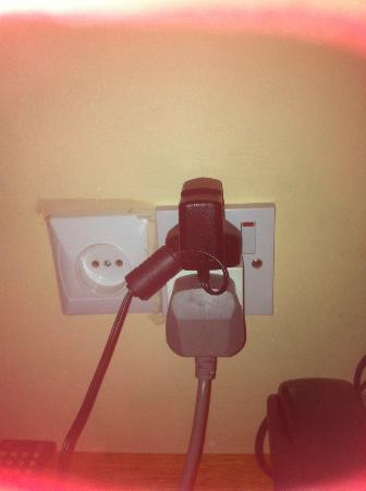 Pasha Hotel: Square plug adaptor